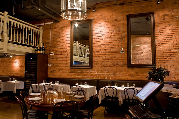 This Seafood-Focused Wine Bar Lasted Six Years in Gastown