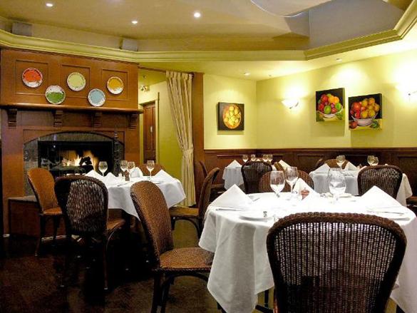 Restaurant,-Interior-rear-r