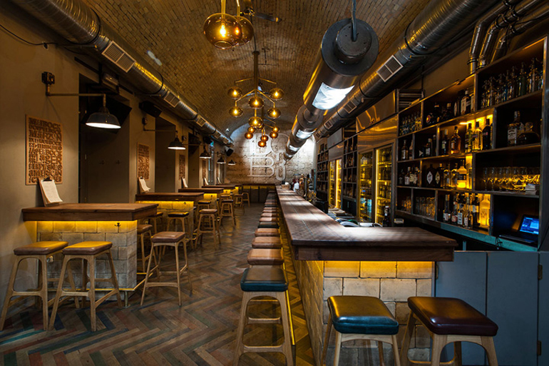 Dob3 A Beer Amp Whisky Themed Eatery In Budapest Hungary