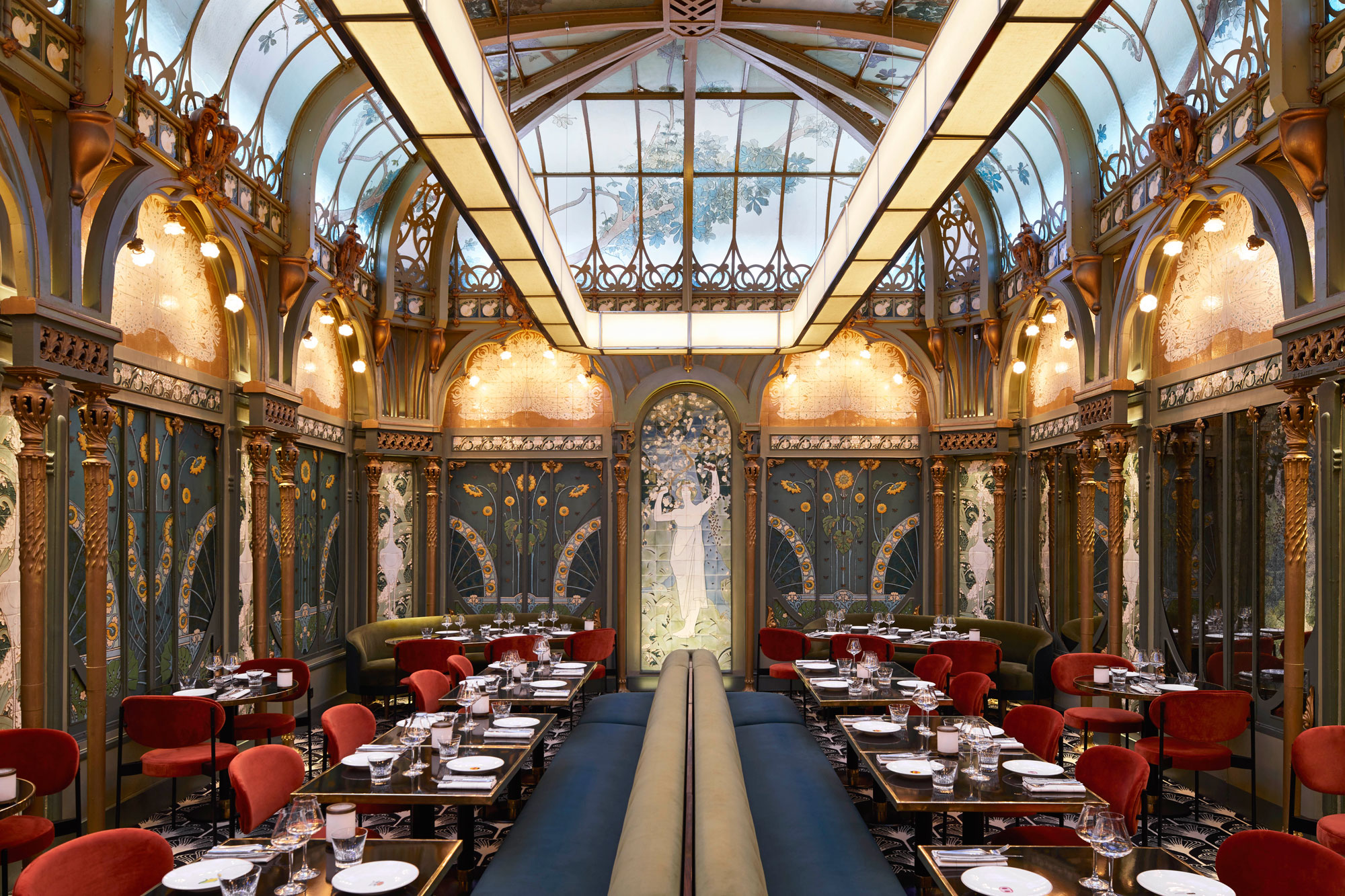 Dining Room Once Hidden From the Nazis Marries Art Nouveau With Red Meat